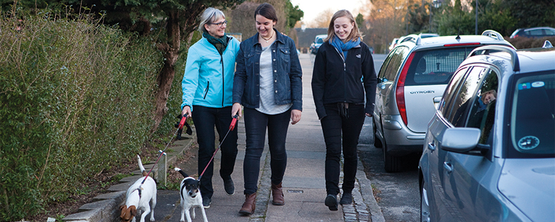 DIS besøgsfamilie med to studerende