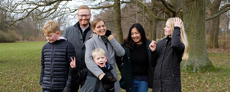 Værtsfamilien i det fri